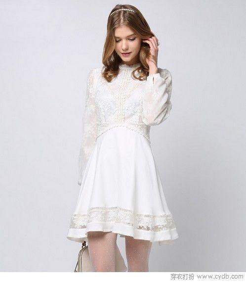 连衣裙仙气天成,有绣花风情再加一等